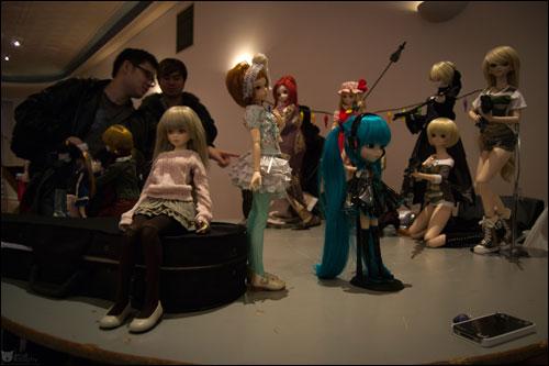 Petite Post - Doll Market
